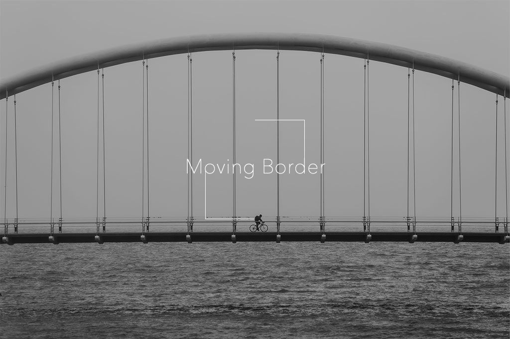 catch-moving-border-rolling-css